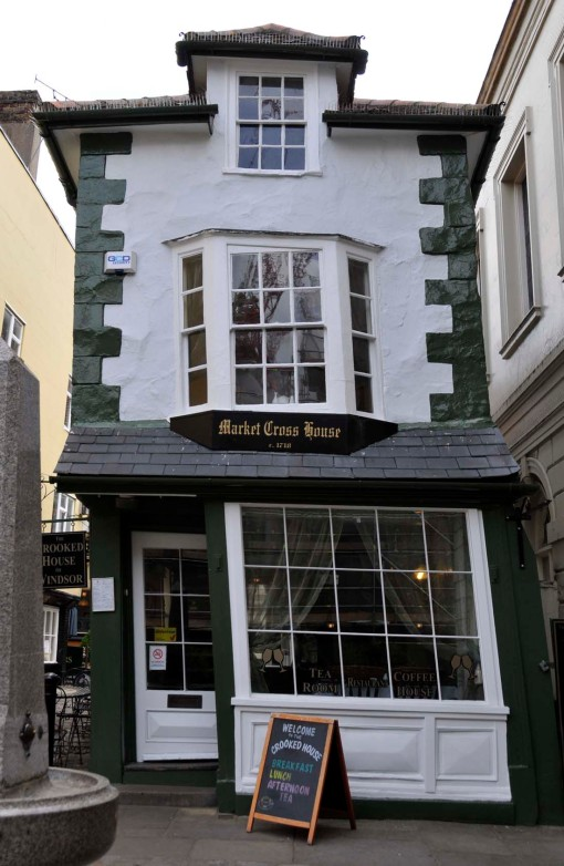 "it's easy to see why the ""Crooked House"" was given its name"
