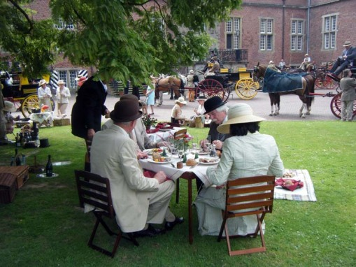 one of the many lovely picnics at Kalbeck Castle (photo by Penny Hunt)