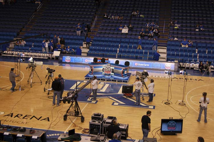 Rupp Arena Rafters Getting Painted Blue: Lexington & KHP